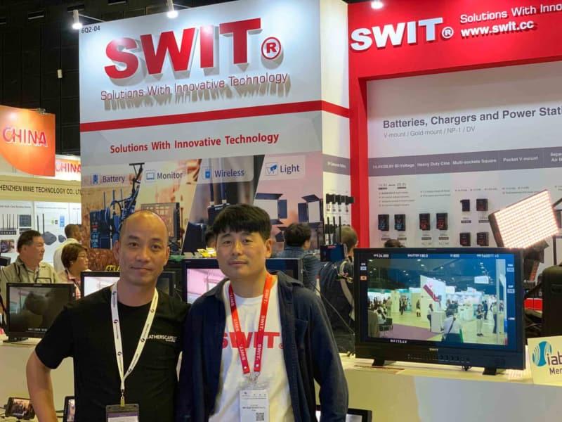 Đại diện Nam Long AV và đại diện SWIT tại Broadcast Aisa 2019